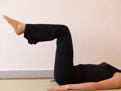 ピラティスの基本姿勢と呼吸法