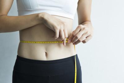 下っ腹ダイエットを成功させる!エクササイズ&筋トレ12選と食事法